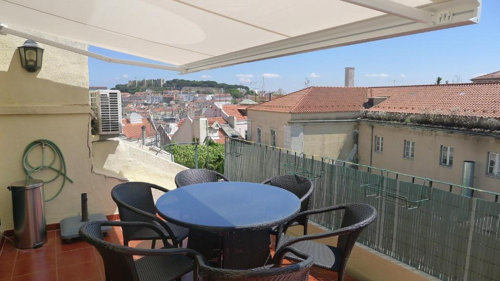 A balcony or terrace at Terrace View in Chiado
