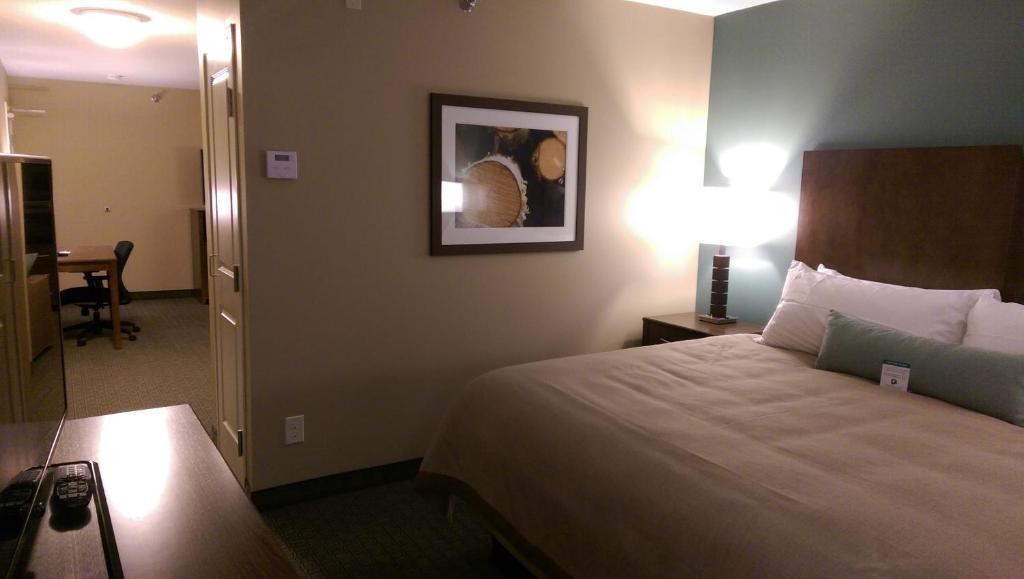 GrandStay Hotel & Suites Delano