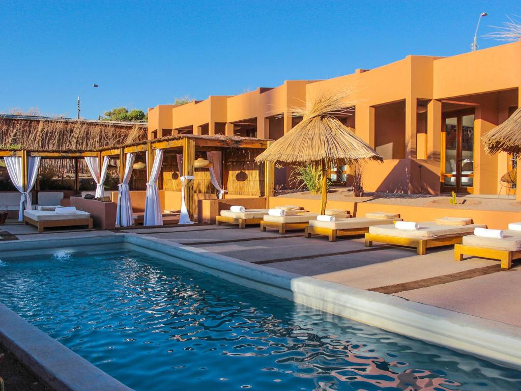 A piscina localizada em NOI Casa Atacama ou nos arredores