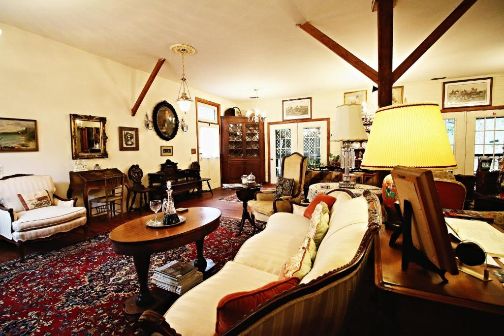 Ebenezer House Bed & Breakfast