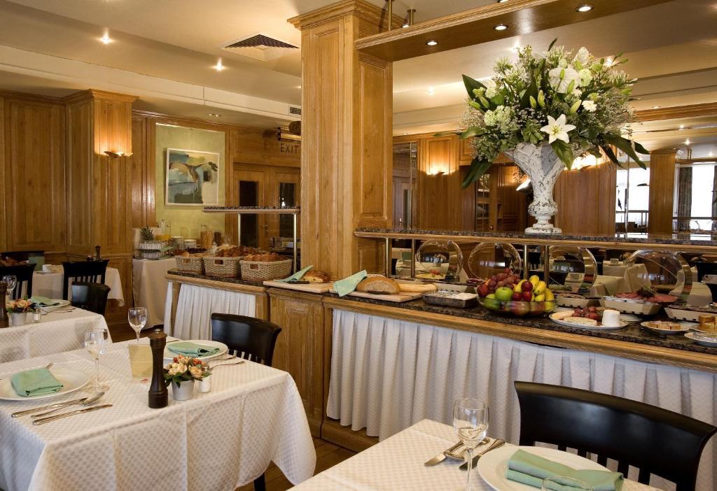 Restaurant ou autre lieu de restauration dans l'établissement Hotel Pacific