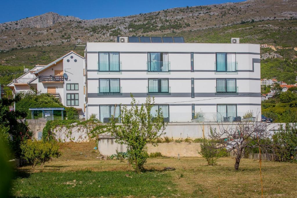 Hotel Jona