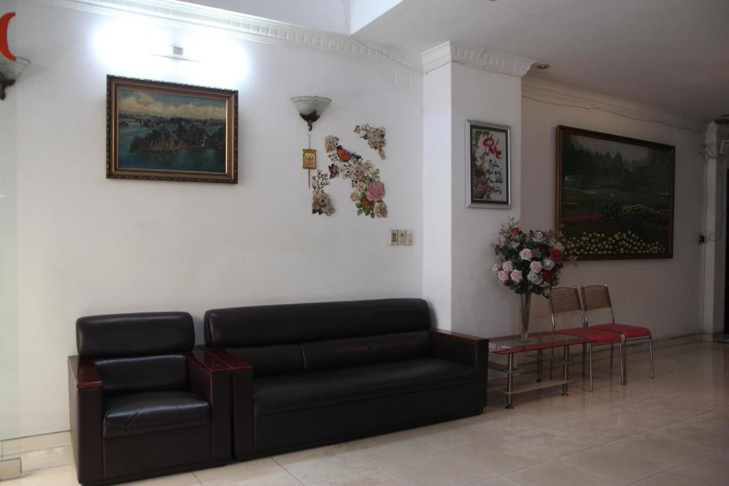 Ngan Long Hotel