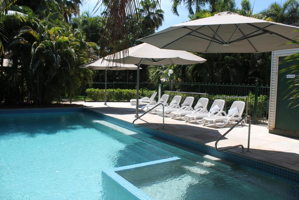 The swimming pool at or near Cocos Beach Bungalows