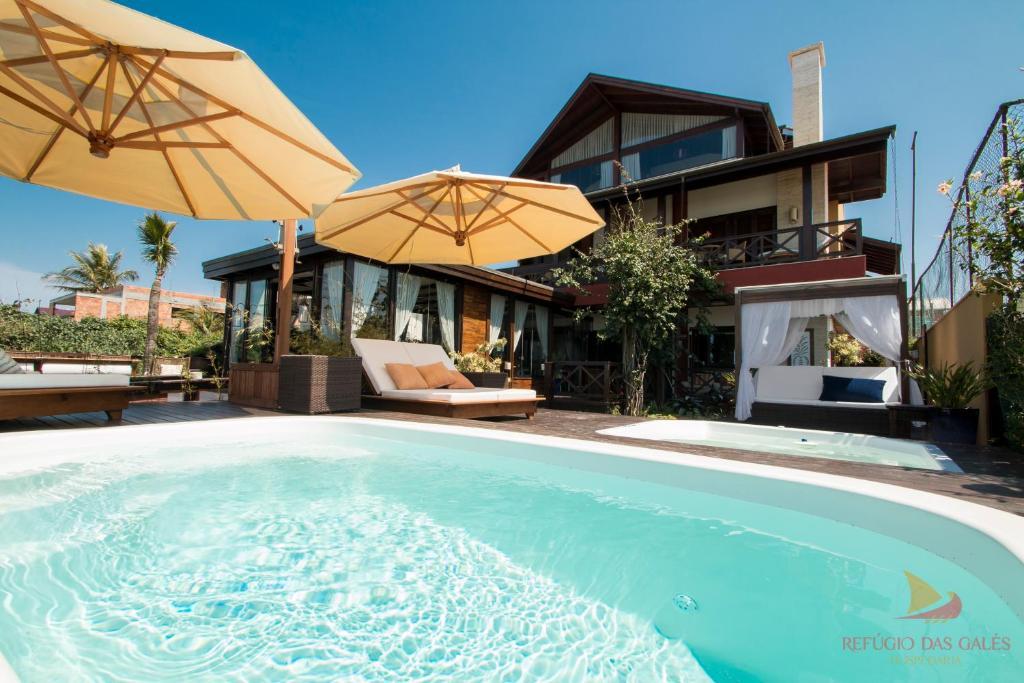 A piscina localizada em Hospedaria Refúgio das Galés ou nos arredores