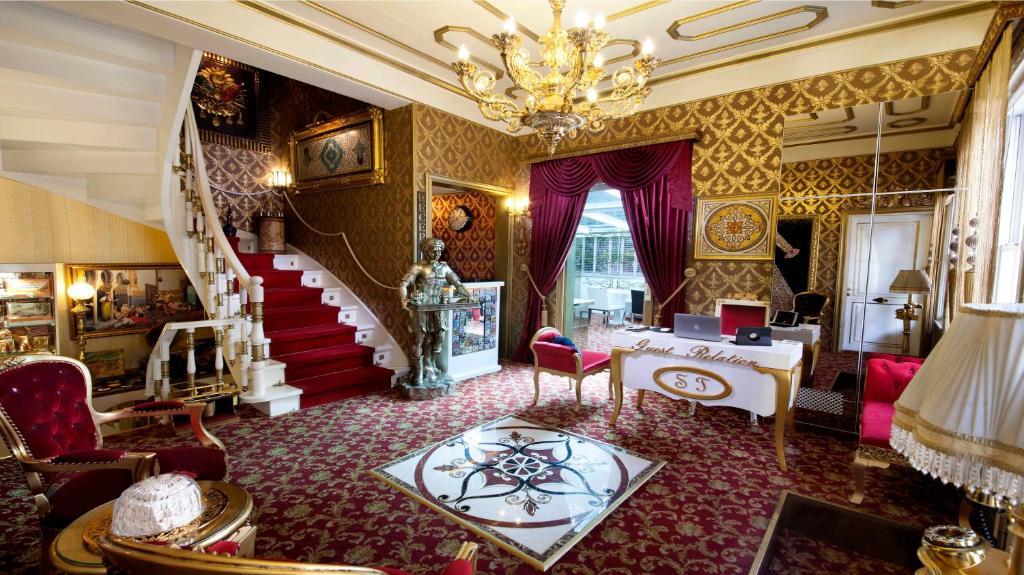 Poilsio erdvė arba baras apgyvendinimo įstaigoje Sultan Tughra Hotel