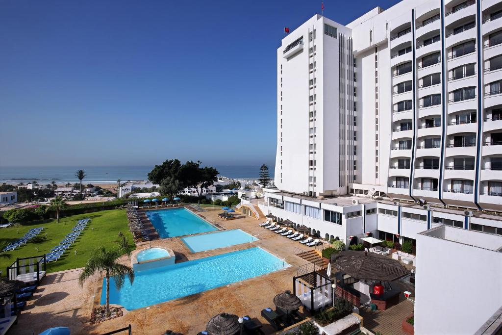 A view of the pool at Anezi Tower Hotel or nearby