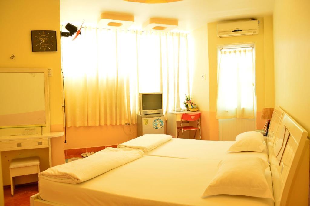 Phòng 2 giường đơn có ban công