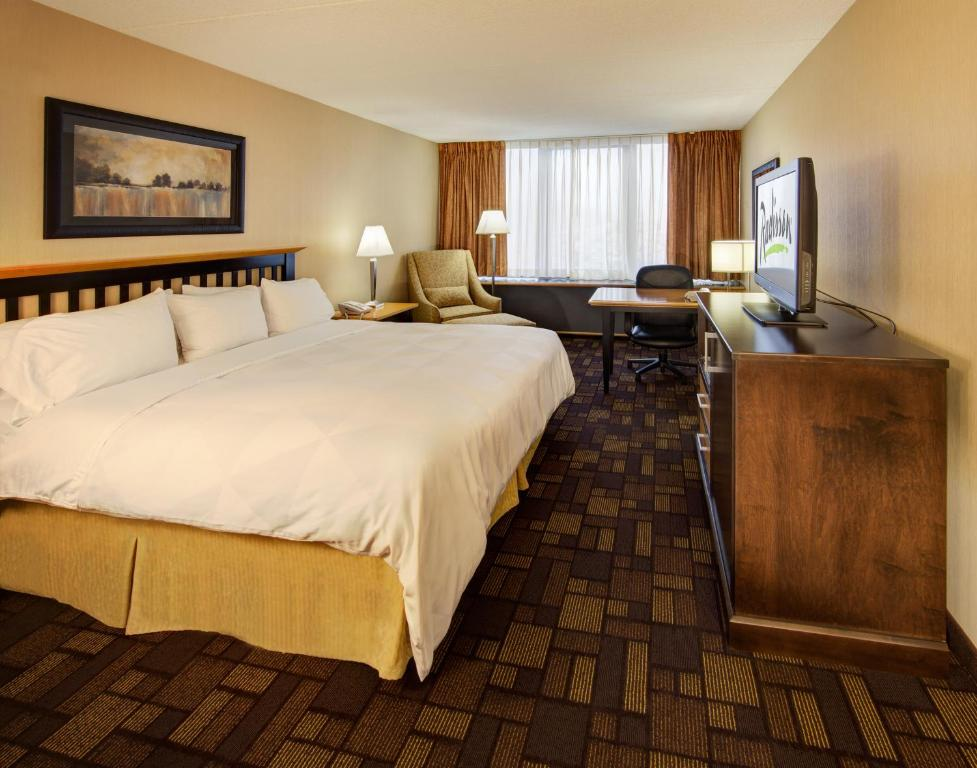 Radisson Hotel Milwaukee West