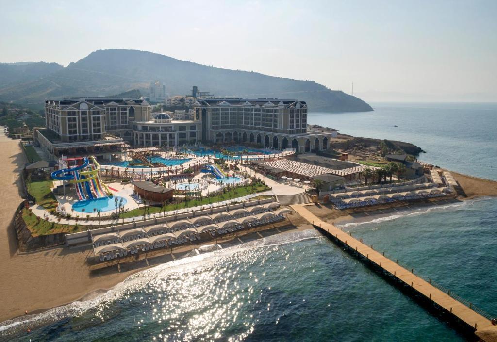 Apgyvendinimo įstaigos Sunis Efes Royal Palace Resort&Spa vaizdas iš viršaus