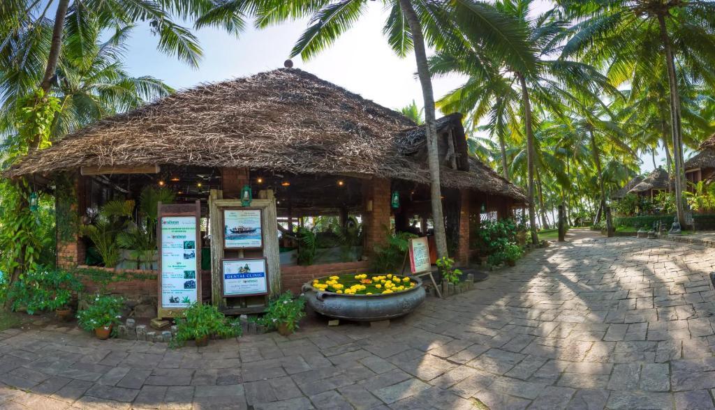 Resort Soma Manaltheeram Kovalam India Booking Com