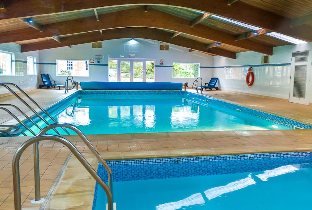 The swimming pool at or close to Kilconquhar Castle Estate