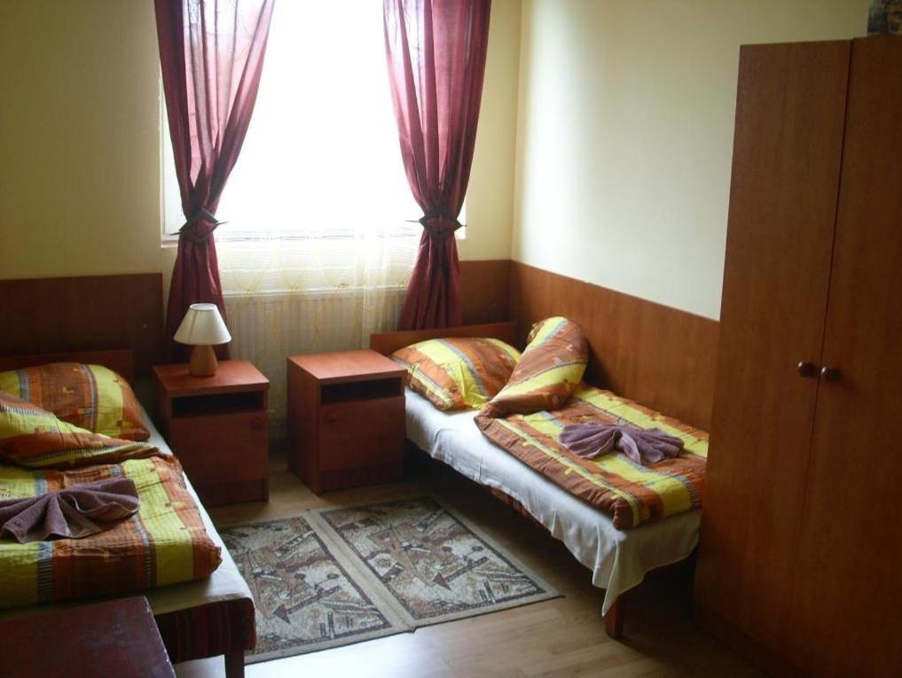 A seating area at Zajazd Pułaskiego
