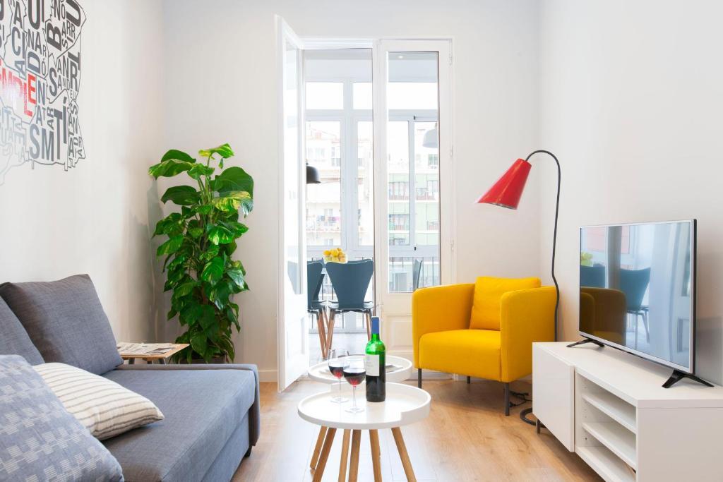 En sittgrupp på You Stylish Vale Apartments