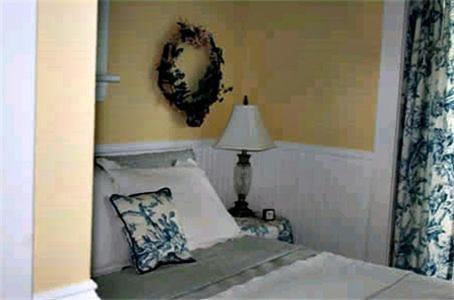 Un ou plusieurs lits dans un hébergement de l'établissement Bide-A-While B&B