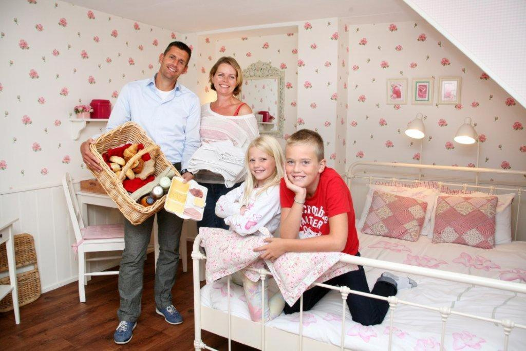 A family staying at B&B aan de Katwijkse Kust