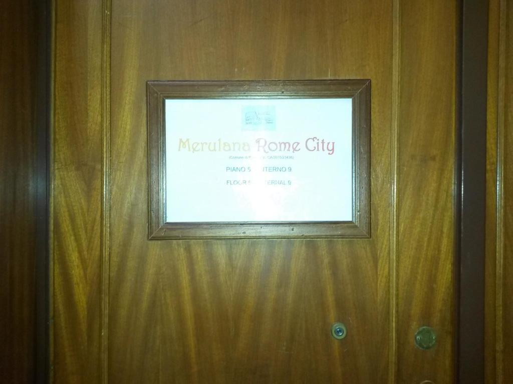 Сертификат, награда, вывеска или другой документ, выставленный в Merulana Rome City B&B