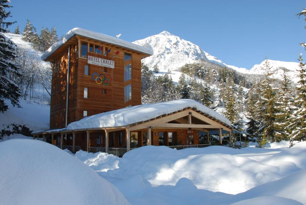 Hotel Chalet Casa Cesana during the winter