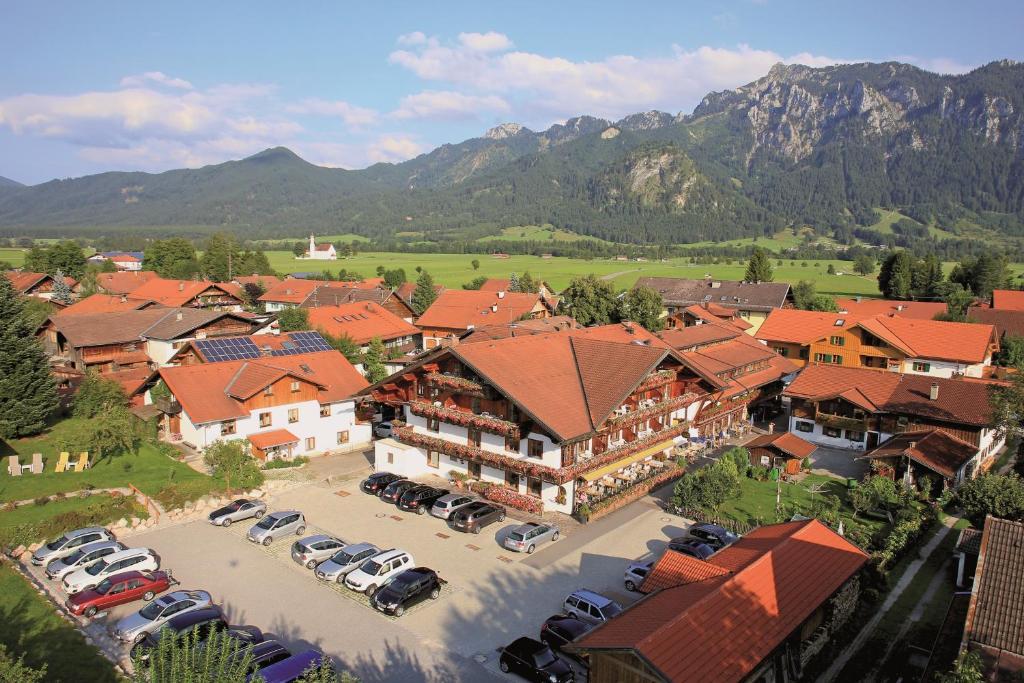 Blick auf Ferienhotel Helmer aus der Vogelperspektive