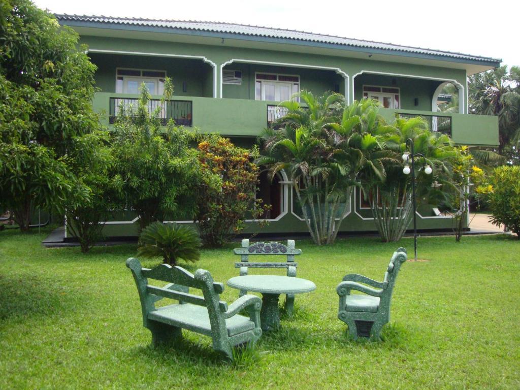 A garden outside Nandawanam Guest House