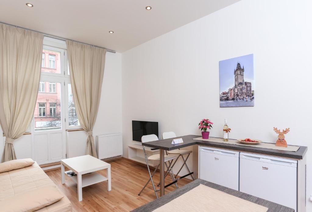 Küche/Küchenzeile in der Unterkunft Hugo Apartment Prague