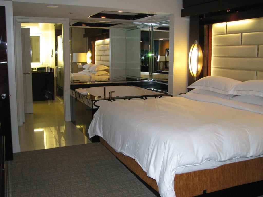 Condo Hotel Suites At Elara Las Vegas Strip Nv Booking Com