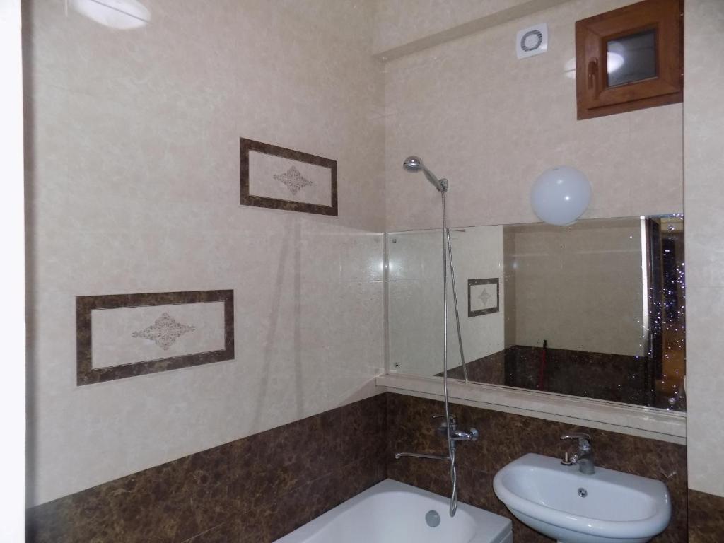 Nina Zhvania Apartment
