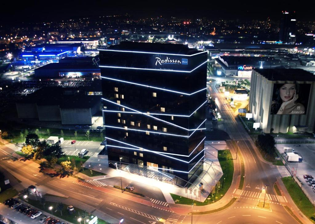 A bird's-eye view of Radisson Blu Plaza Hotel Ljubljana