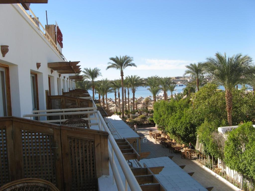 A balcony or terrace at Oonas Dive Club