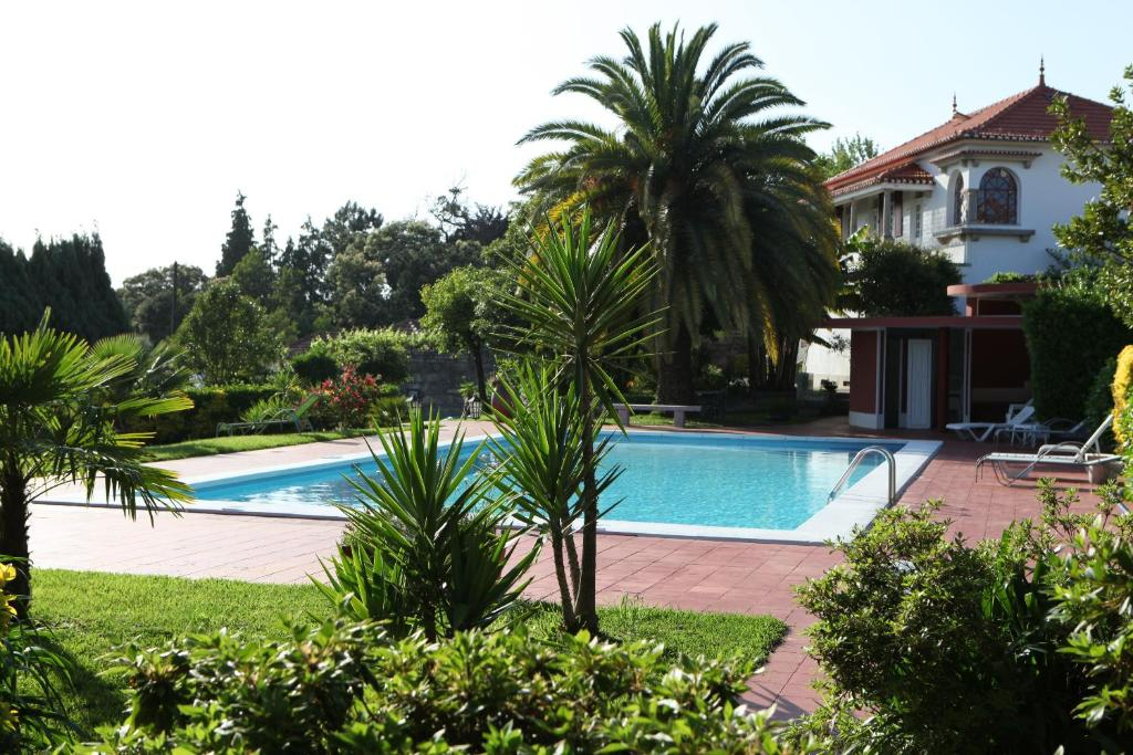 The swimming pool at or near Quinta de Santo Antonio