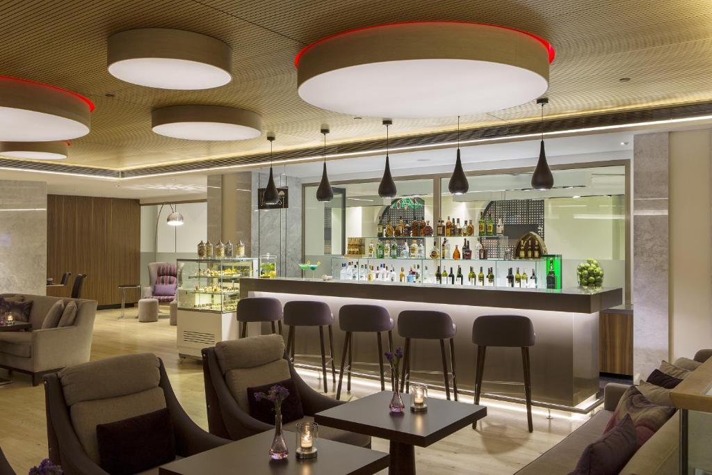 Лаундж или бар в Richmond Istanbul