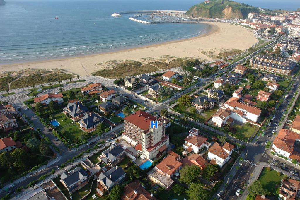 Pemandangan dari udara bagi Hotel Cosmopol