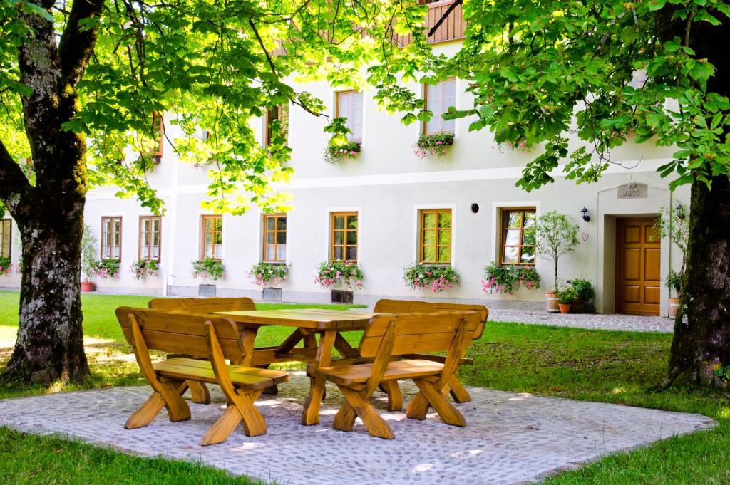 Datei:2012.10.19 - Weyer - Wohnhaus Unterlaussa 39 - autogenitrening.com