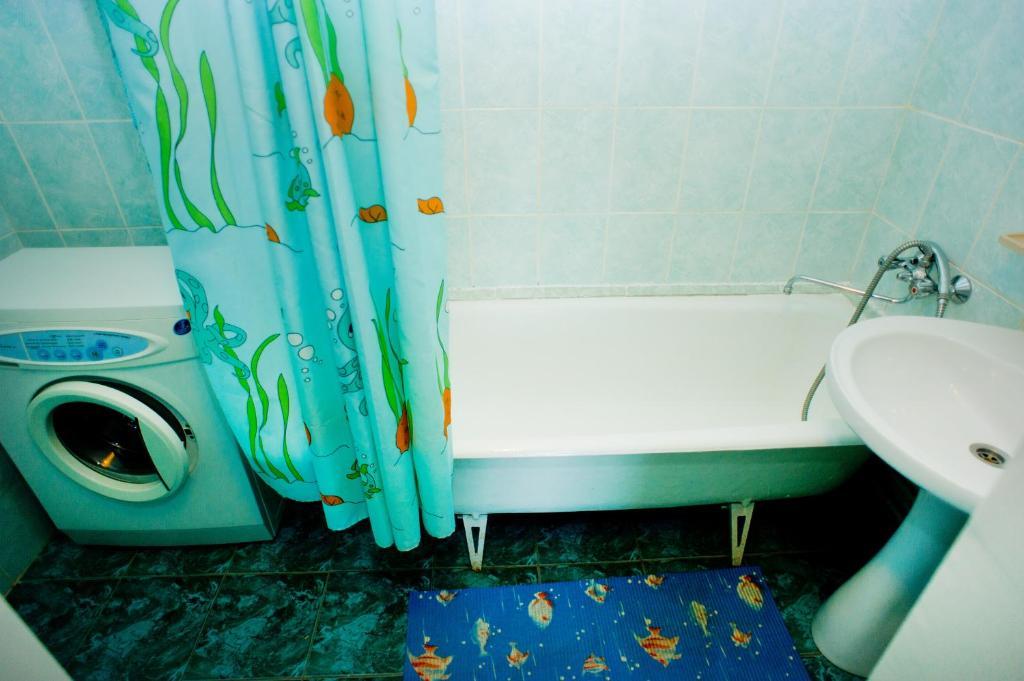 Ванная комната в Hostel Trukhinova 3