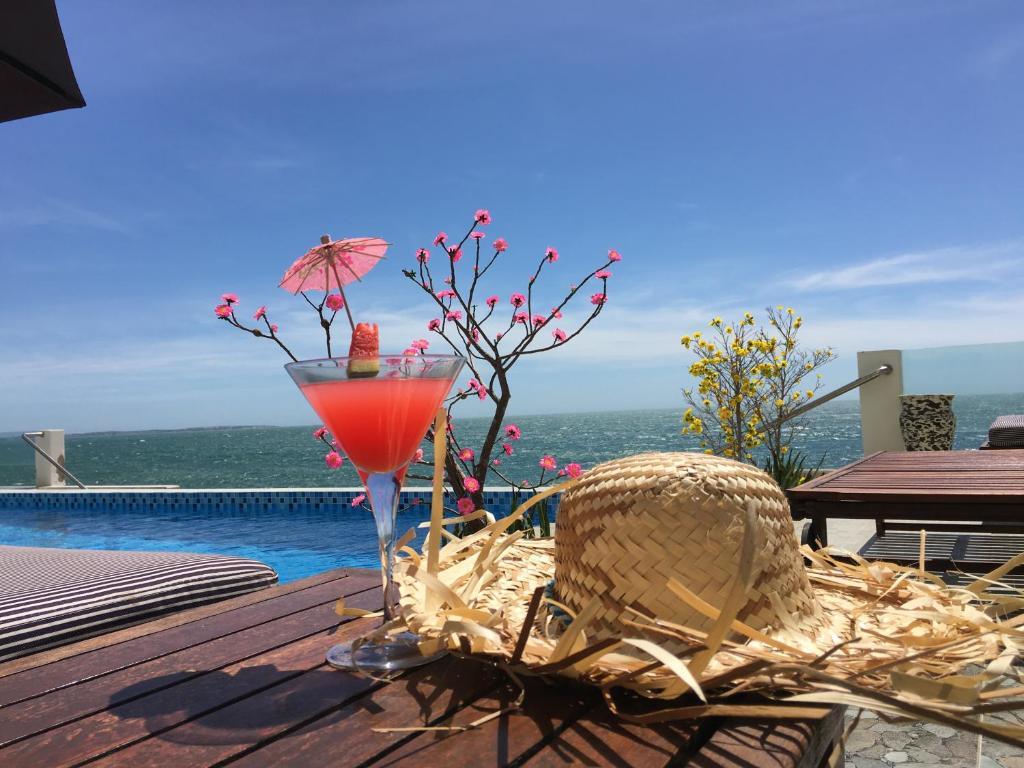 Khách Sạn Ocean Front
