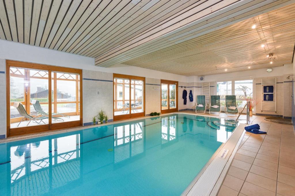 Der Swimmingpool an oder in der Nähe von Ferienwohnungen Badbruckerweg 6