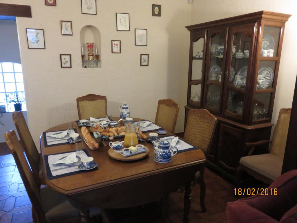 Restaurant ou autre lieu de restauration dans l'établissement Bourth B&B