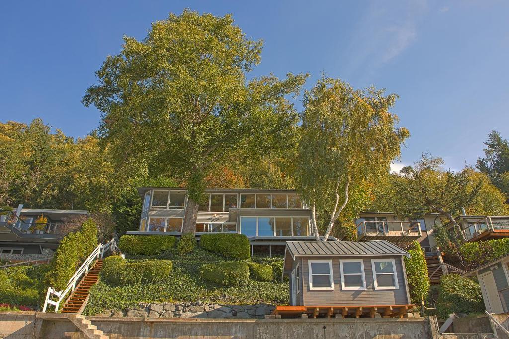 Four Stone Beach House