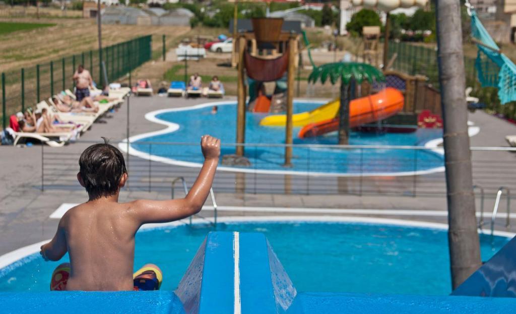 The swimming pool at or near Hotel Europa Splash & Spa