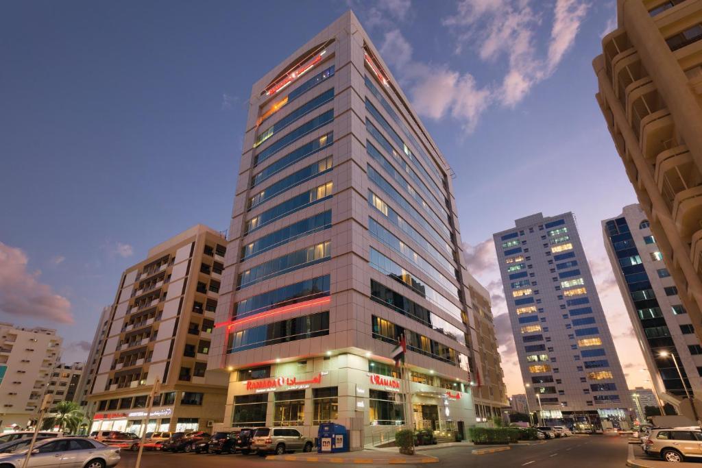 Hotel Ramada Downtown Abu Dhabi, UAE - Booking com