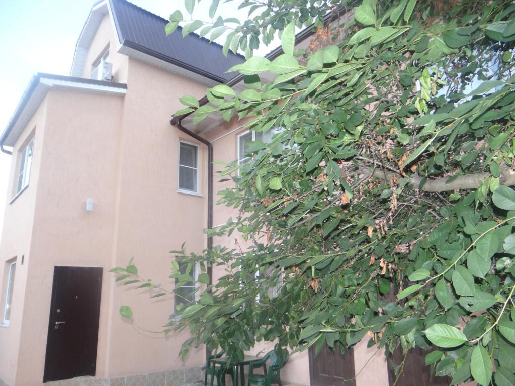 Фасад или вход в Гостевой Дом Ейск