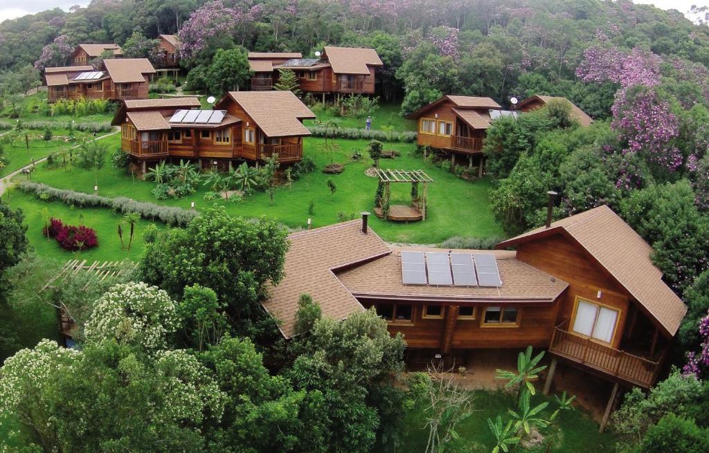 Uma vista aérea de SPaventura Eco Resort