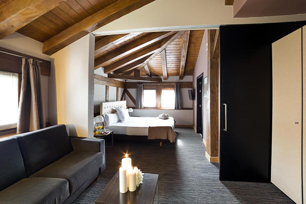 boutique hotels in beasain  13