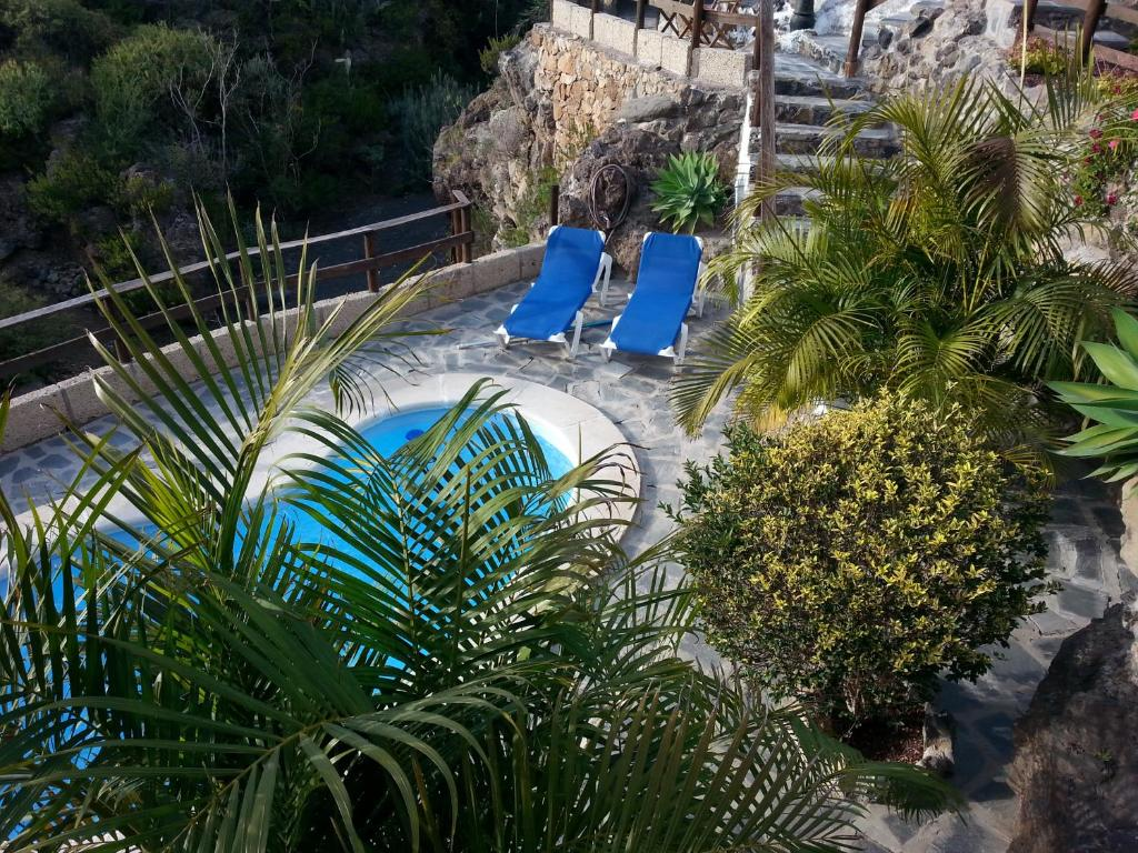 A view of the pool at Casa Rural La Cuadra or nearby