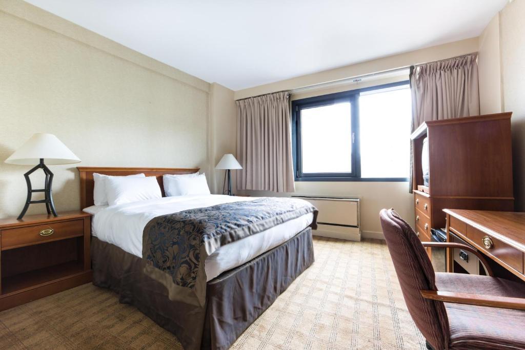 Tavoli E Sedie Da Giardino Carrefour.Hotel Res Carrefour Sherbrooke Canada Montreal Booking Com