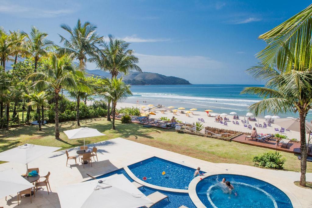 Uma vista da piscina em Amora Hotel ou nos arredores