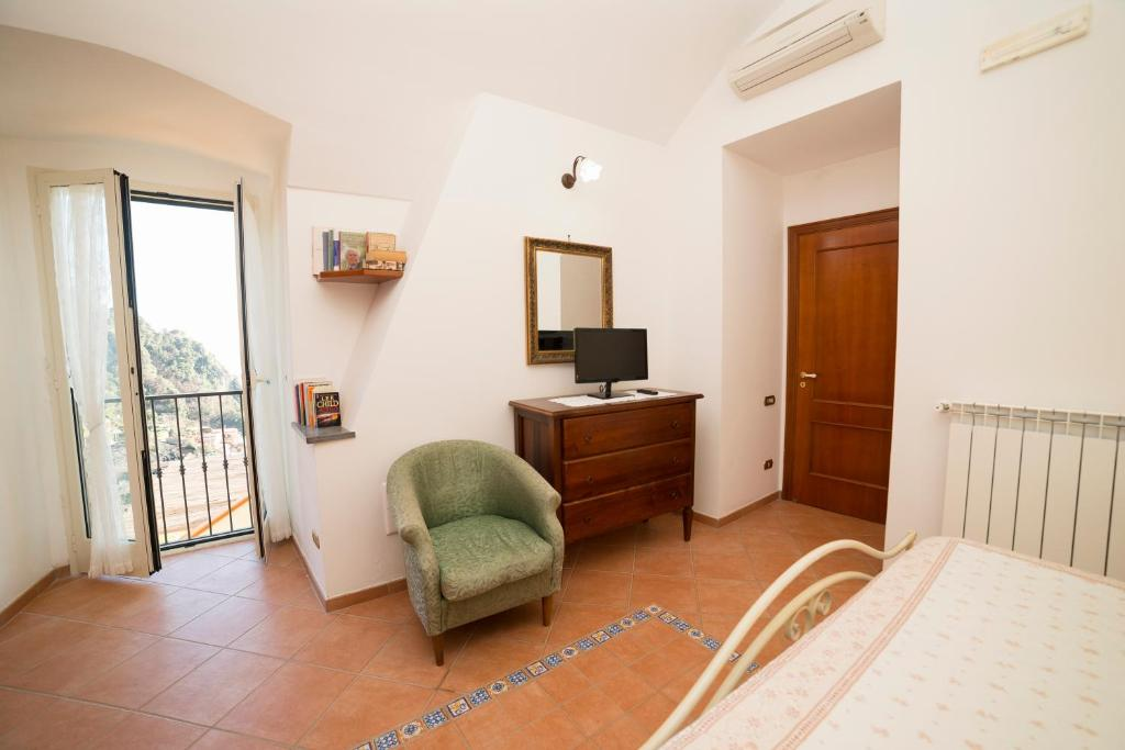 Ferriere Apartment