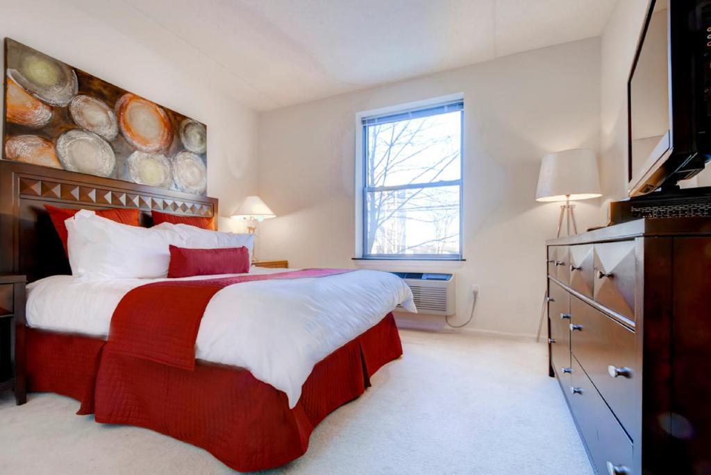 Global Luxury Suites at Beale Street