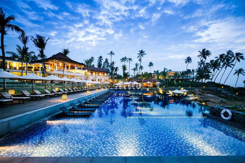 The swimming pool at or near Anantara Peace Haven Tangalle Resort