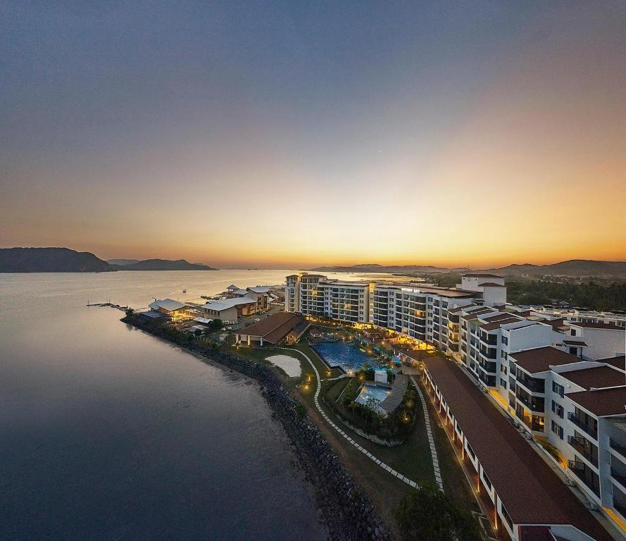Pemandangan dari udara bagi Dayang Bay Resort - Hotel & Serviced Apartment